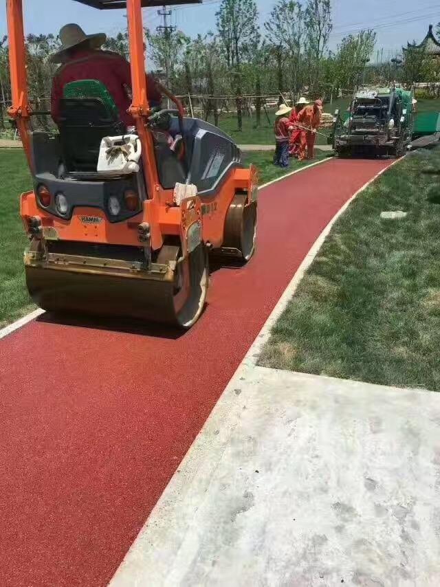 沥青路面施工时接缝不良该如何处理